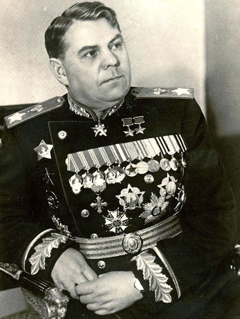 Vasilevsky heavily condecorated after the war