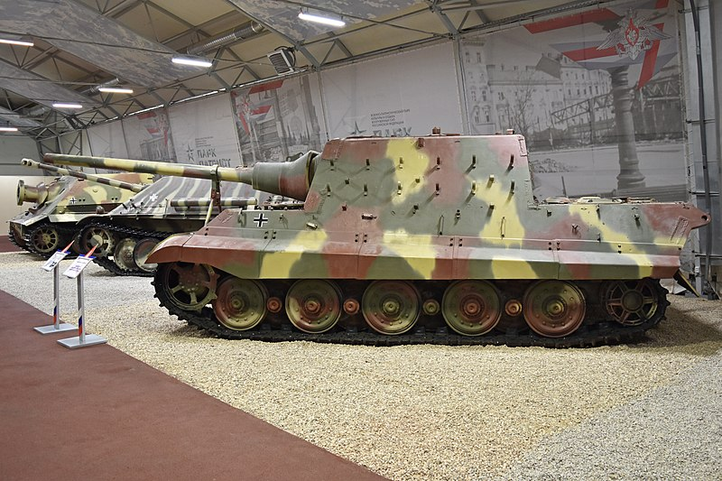 Jagdtiger in camouflage paint