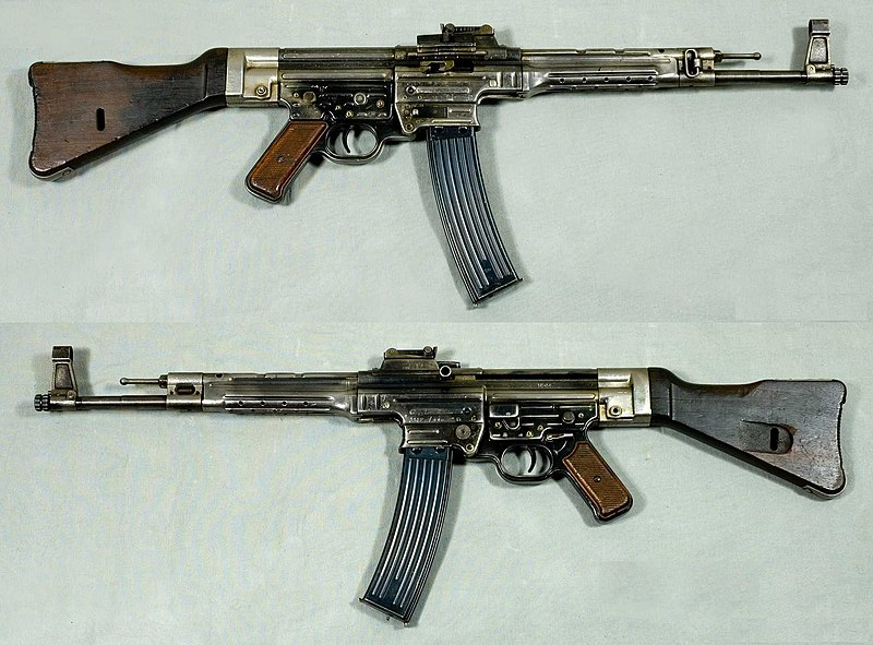 The StG 44, the resemblance of the AK-47 with the former its remarkable