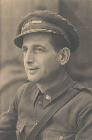 Amado Granell in military uniform when he fought in the Spanish Civil War. 1936