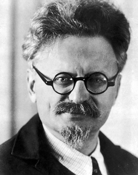Trotsky, picture taken in the mid 1930's, already in exile. He looks at the camera confident but his eyes betray sadness