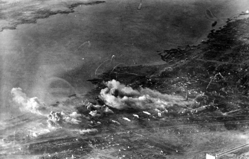 Stalingrad covered in flames and smoke