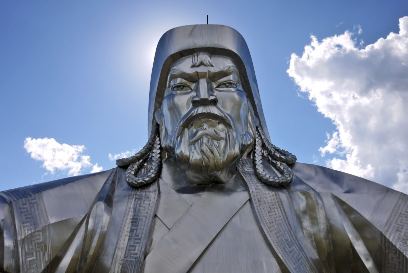 Statue of Genghis Khan in Mongolia. Picture by: Jonathan E. Shaw. Source: https://flickr.com/photos/johnnyshaw/9395048214